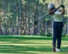 jeune joueur de golf